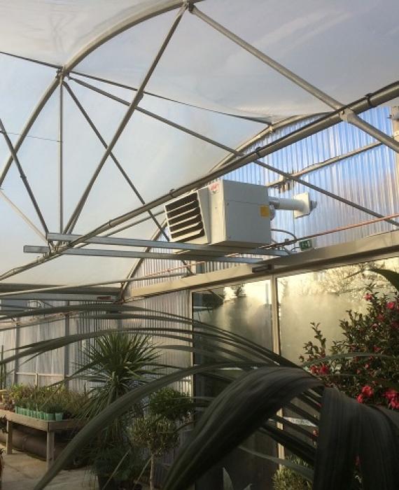 Fourniture et installation d'aérothermes gaz dans une pépinière